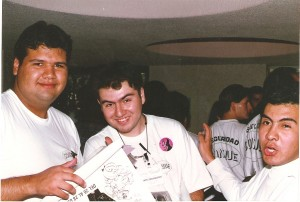 Carlo Angie (q.e.p.d) Gerardo Veites y Uriel durán voluntarios en esa primera Conque