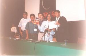El estudio cygnus cuando empezaba a la izquierda de Humberto (que fue su padrino en la presentación) estan Edgar Delgado y Salvador Raga